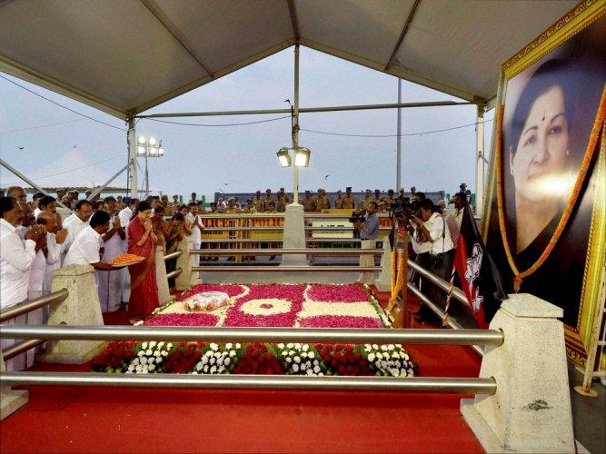 TN Assembly pays rich tributes to Jaya