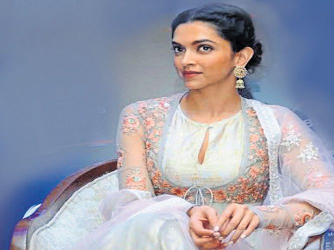 Unfair to compare me with Priyanka: Deepika Padukone