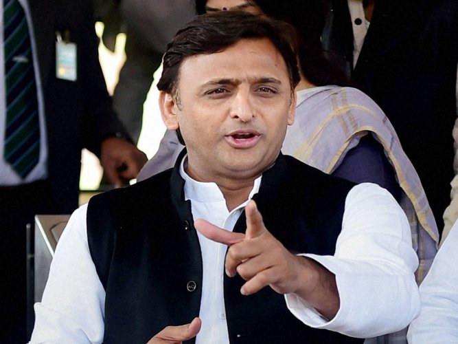 Akhilesh launches campaign with tainted Prajapati by his side