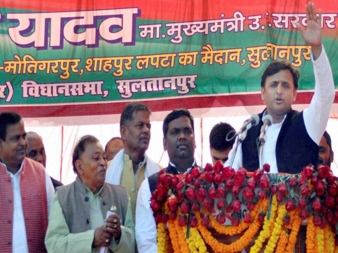Akhilesh shares stage with Cong in first joint campaign in UP