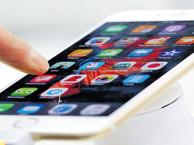 Apple presents blueprint to set up base in India