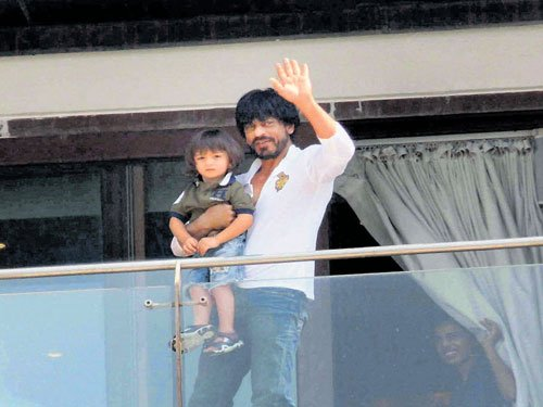 AbRam gets angry when not allowed to be clicked, says SRK