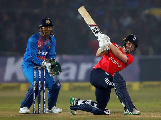 England thump India by seven wickets in 1st Twenty20