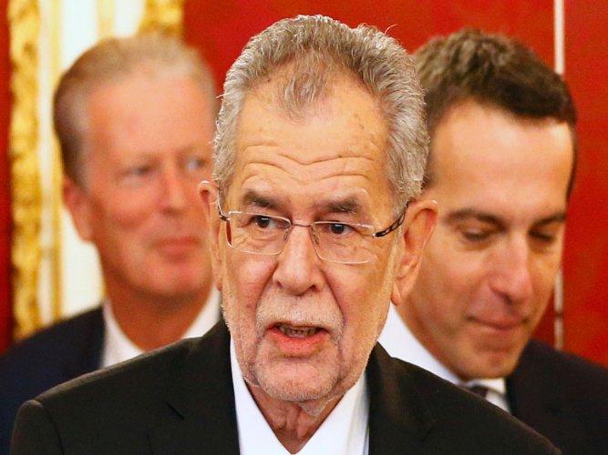 Austria's left-leaning winner new presidential is sworn in