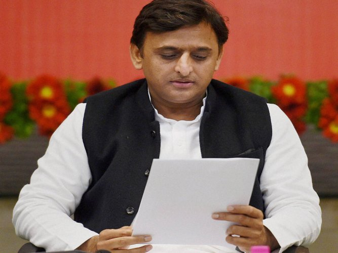 Akhilesh writes to PM, wants Budget presentation after polls