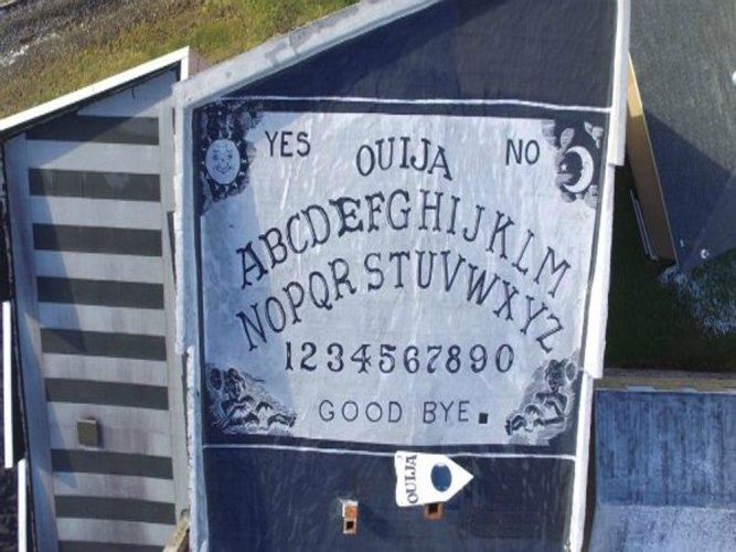 World's largest Ouija board sets Guinness record