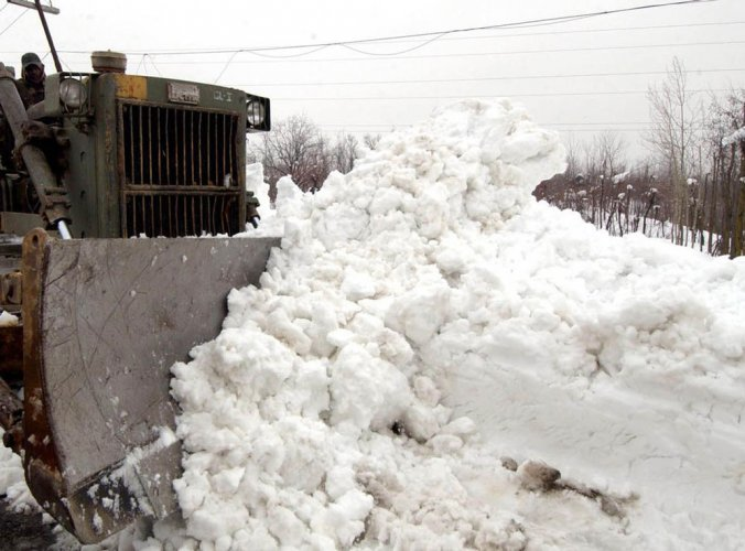 Medium danger avalanche warning for some areas in J&K, HP