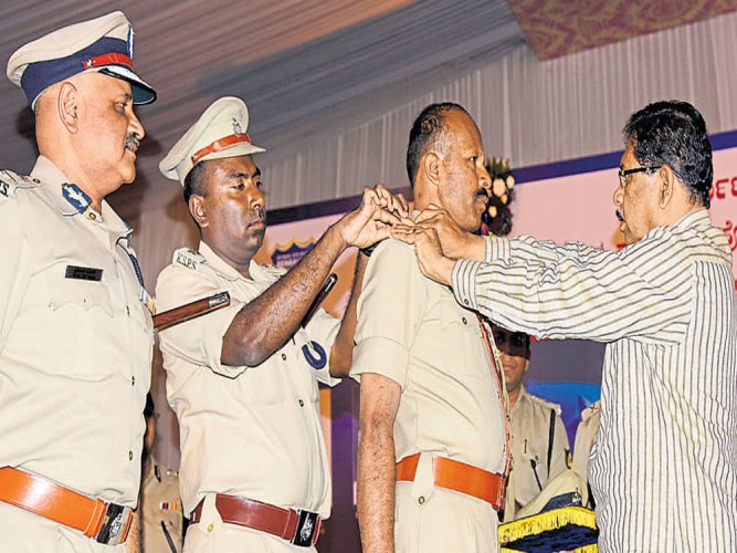 152 women among 1,888 cops promoted; some after 20 yrs