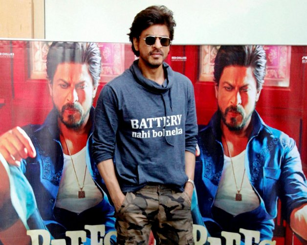 Shah Rukh only wants to act, no plans to join politics