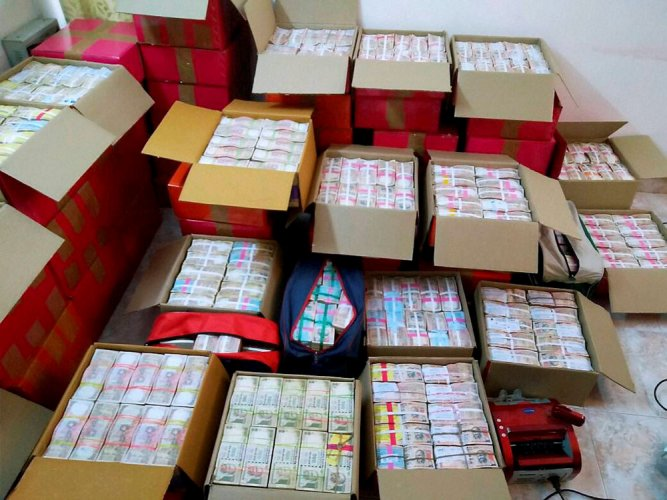 Polls: Rs 100cr cash, liquor worth Rs 32cr seized in 5 states