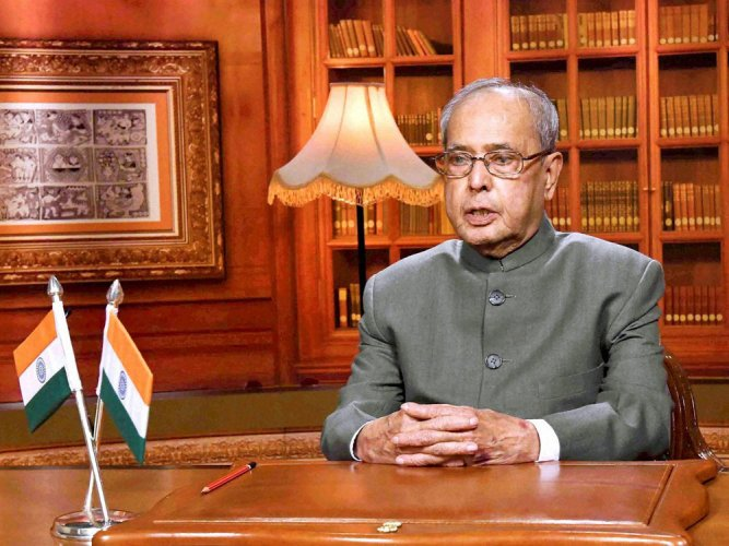 Pranab pitches for simultaneous polls