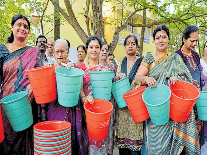 Segregate waste from today, or pay Rs 100 fine