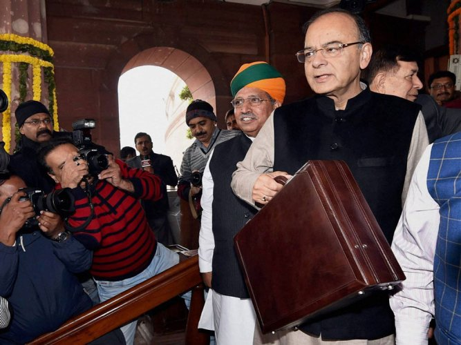 Cash dealings above Rs 3 lakh banned from Apr 1: Jaitley