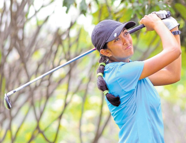 Aditi Ashok stays in the hunt at tied 3rd place in Gold Coast