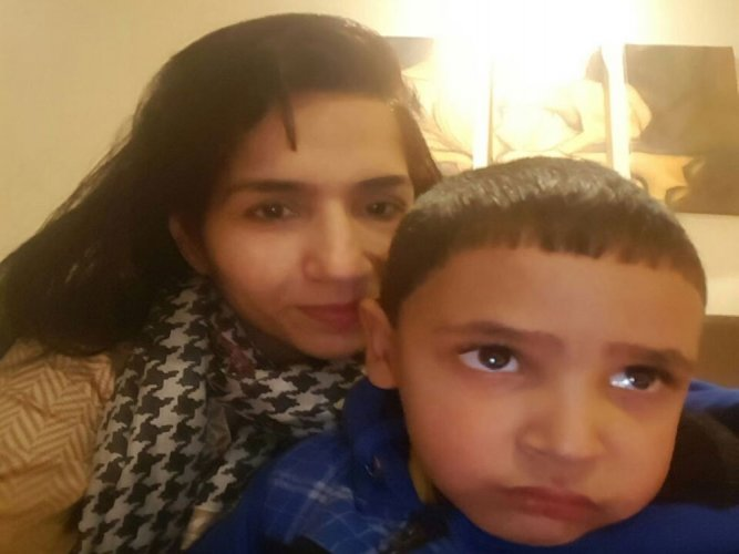5-yr-old Pak boy reunites with mother after a year at Wagah