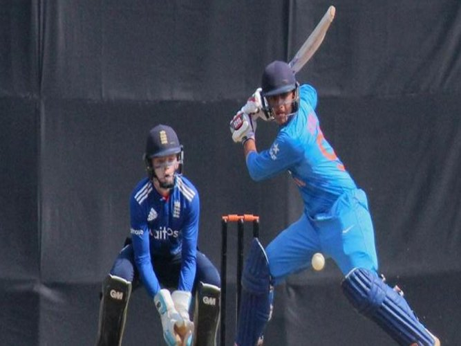 India and England draws 5th ODI, hosts clinch series 3-1