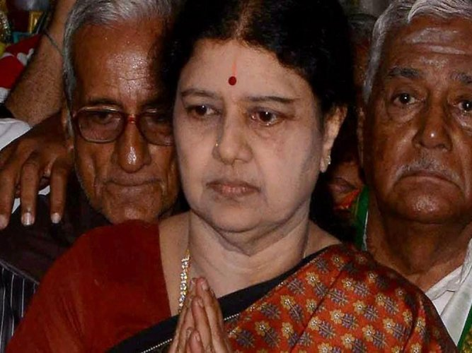 Uncertainty over listing of PIL against Sasikala in SC