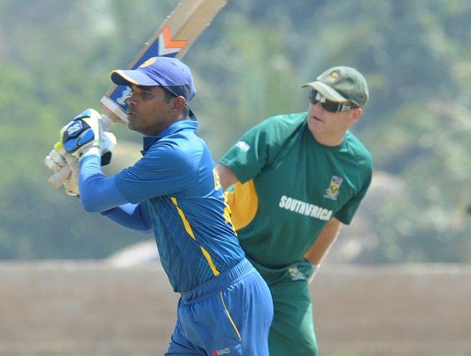 Chandana takes Lanka to semi clash with India