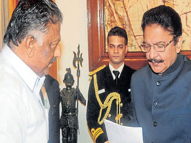 LS rejects notice to expedite Sasikala's swearing-in
