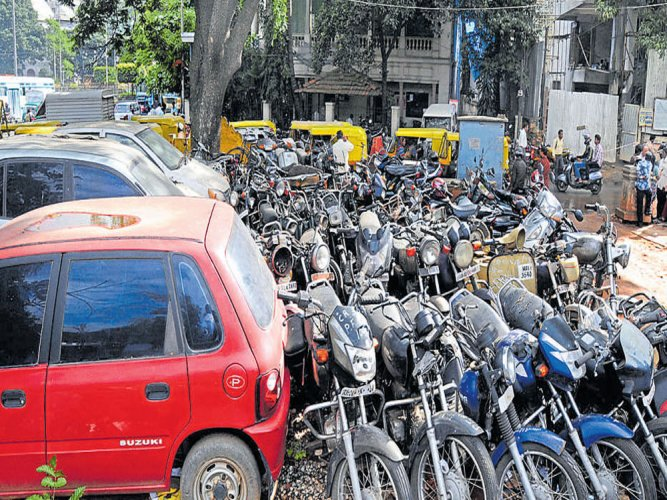 Cops expedite process to clear seized vehicles