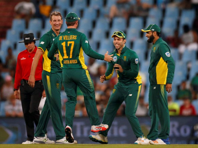 South Africa reclaim No.1 ODI ranking after 5-0 sweep over SL
