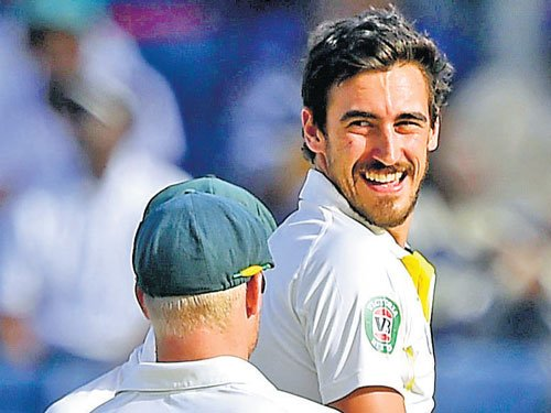 Starc hopes to 'swing' with SG ball in India