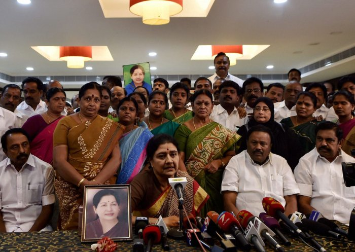 Sasikala to hold 'key discussions' with party MLAs