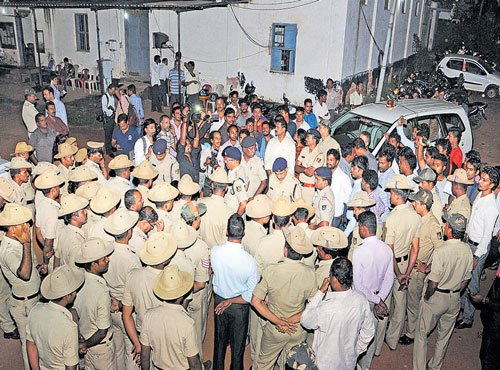 180 cops for a lakh people in India: report