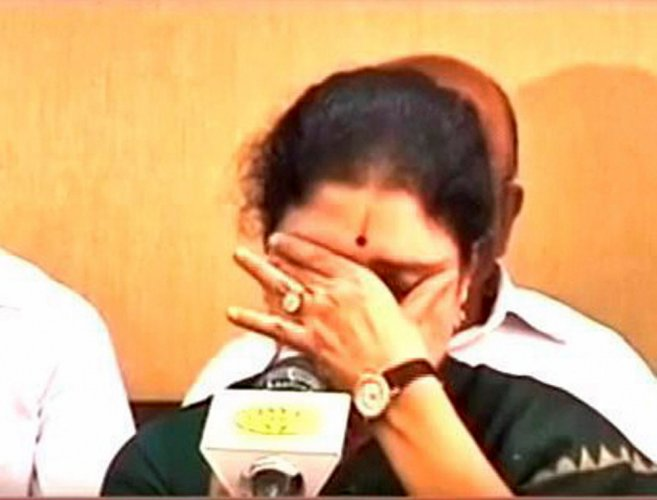 Sasikala turns emotional: My thoughts with party even from inside jail