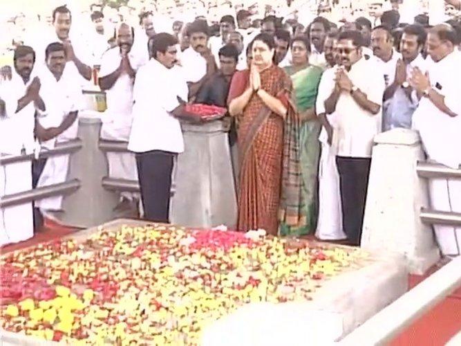 Sasikala visits Jaya memorial, MGR house on way to Bengaluru