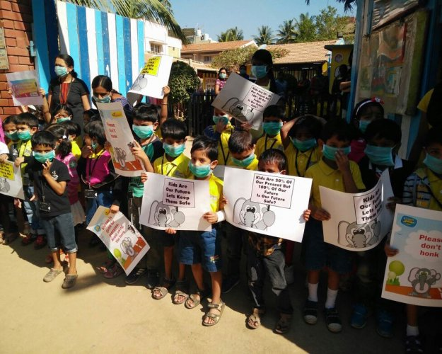 Nallurhalli residents come out in protest against neglect of area