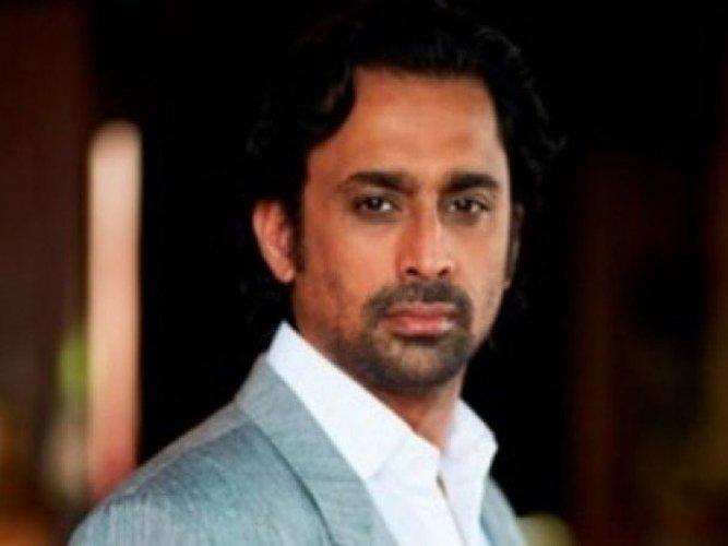Graft case: TV actor Anuj Saxena surrenders in court