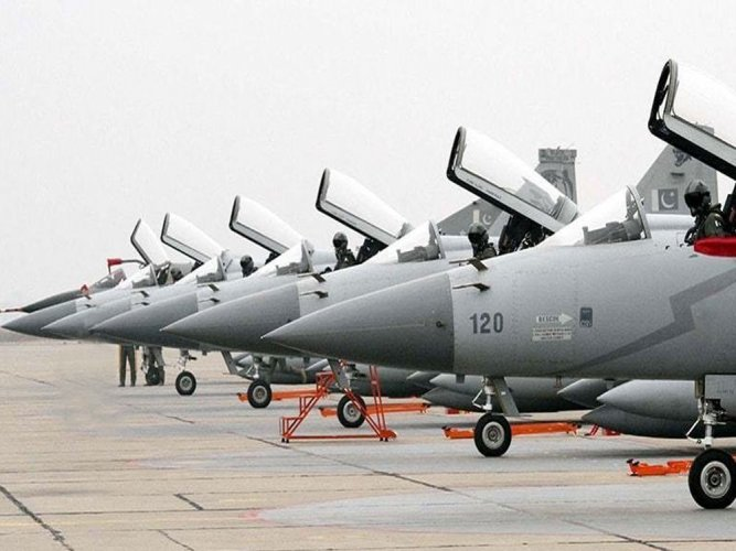 Pak inducts 16 new JF-17 Thunder jets to air force