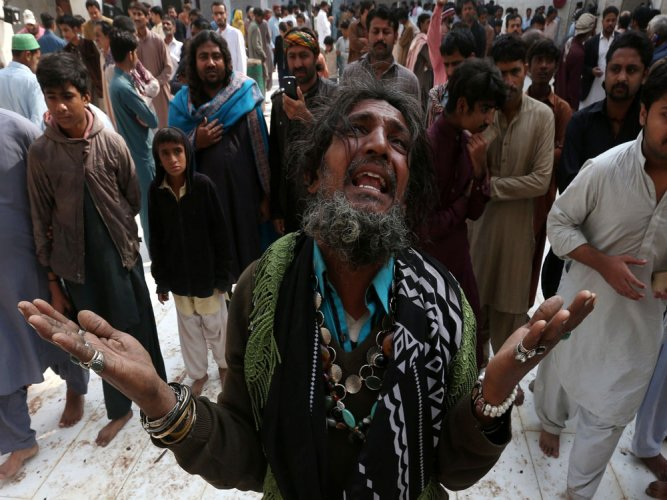 Pak Army claims 100 militants killed after shrine bombing