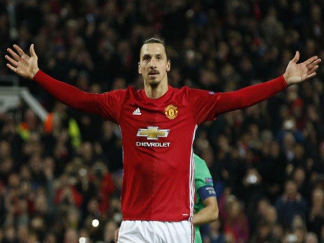 United, Roma record big wins