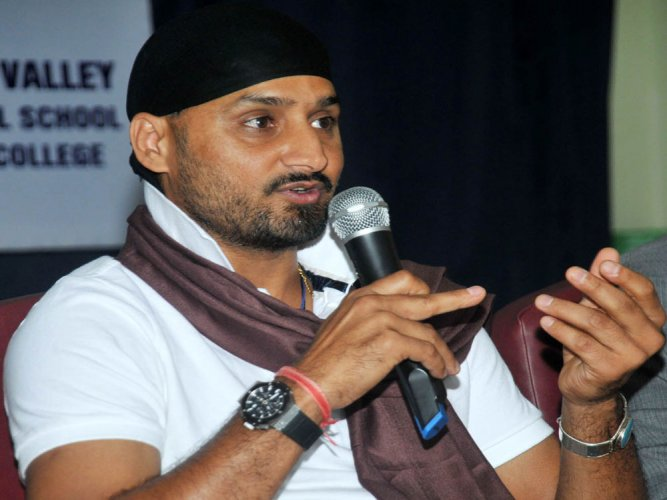 Weakest Australian team ever to tour India: Harbhajan Singh