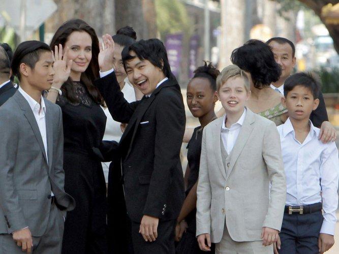 Jolie returns to spotlight after split to promote new film
