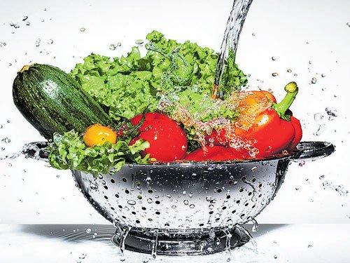 Eating fruits, vegetables may lower lung disease risk: study