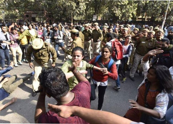 DU clash: Police admit its men acted 'unprofessionally'