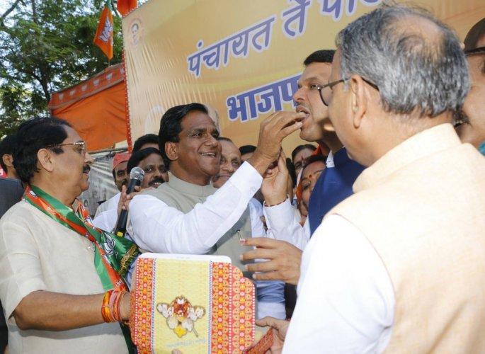 Maha civic polls: BJP set for decisive gains, Sena has edge in BMC