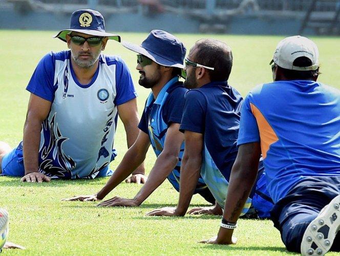 Now Jharkhand captain, Dhoni motivates wards in unique style