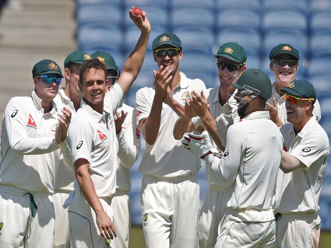 Aussies leave India in a spin