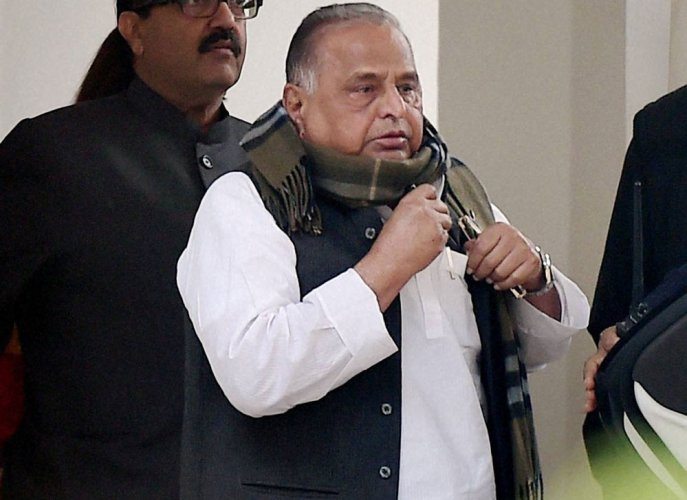 Mulayam gives campaigning in own Azamgarh a miss