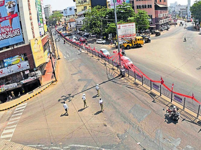 Mixed response for hartal call; stones pelted at buses