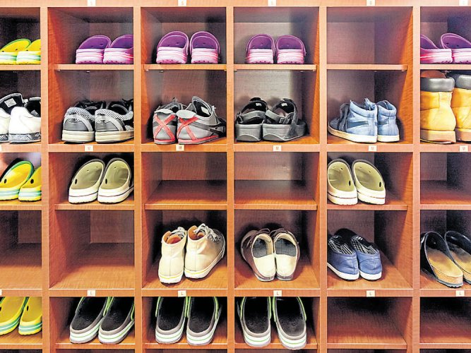 Footwear makers seek to step into their own shoes