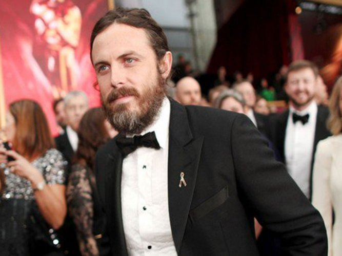 Casey Affleck wins best actor at Oscars 2017