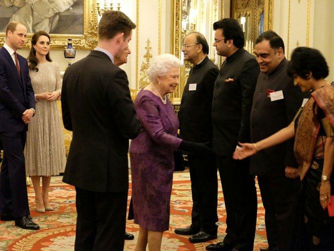 Queen learns dance mudras with Indian dancer Arunima