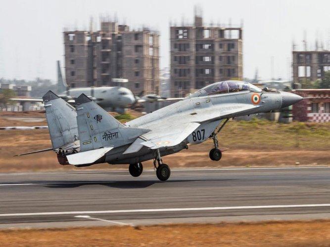 Navy's fighter jet makes emergency landing at Mangaluru