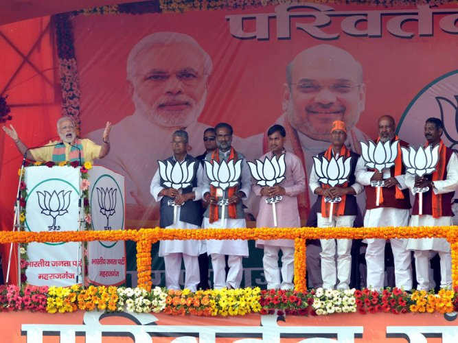 Modi cites GDP to blunt note ban attack