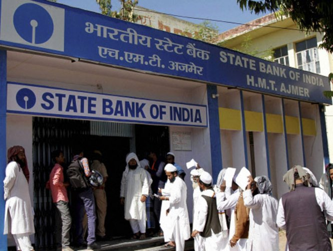 SBI to levy cash transaction charges after 3 withdrawals